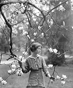 Photograph of Millay by Arnold Genthe, 1914